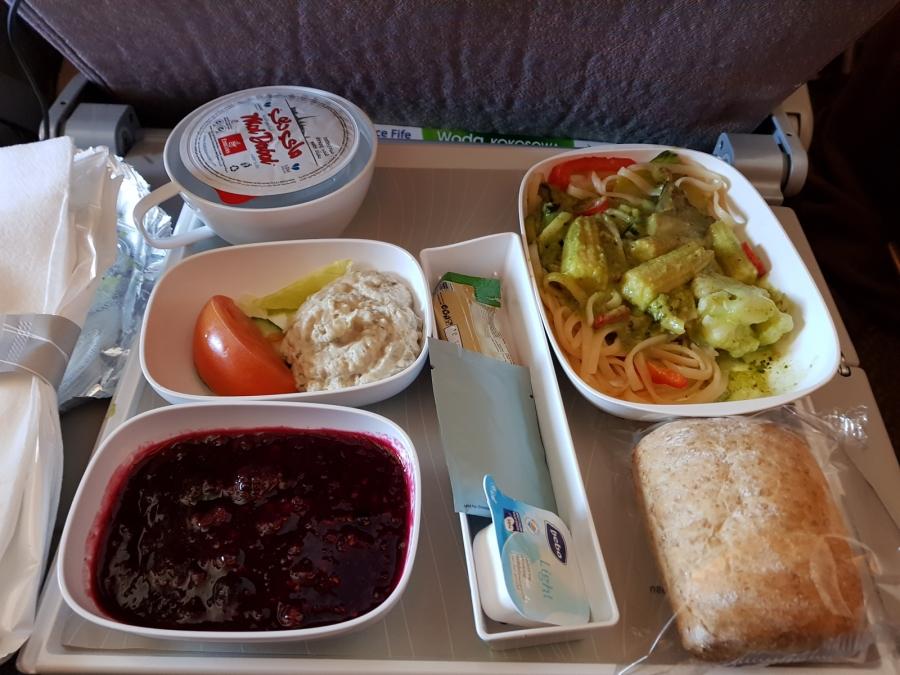 posiłek w Emirates