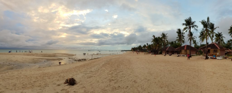 Panorama plaży przy Budyong Beach Resort